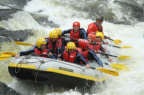 Safety Tips For White Water Rafting On Your Next Vacation