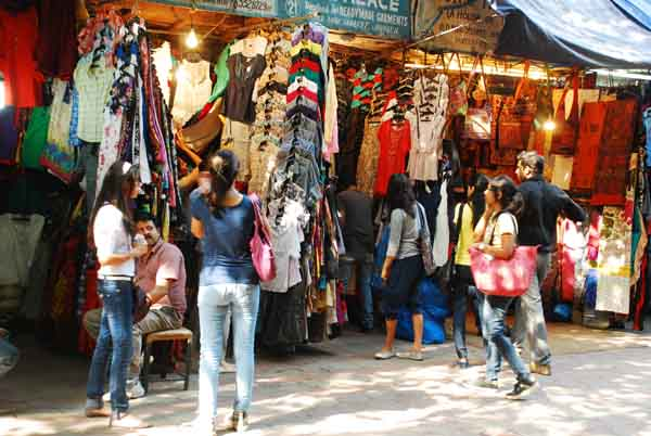 Dig Deeper For Your Passion and Shopping Endeavours In Flea Markets