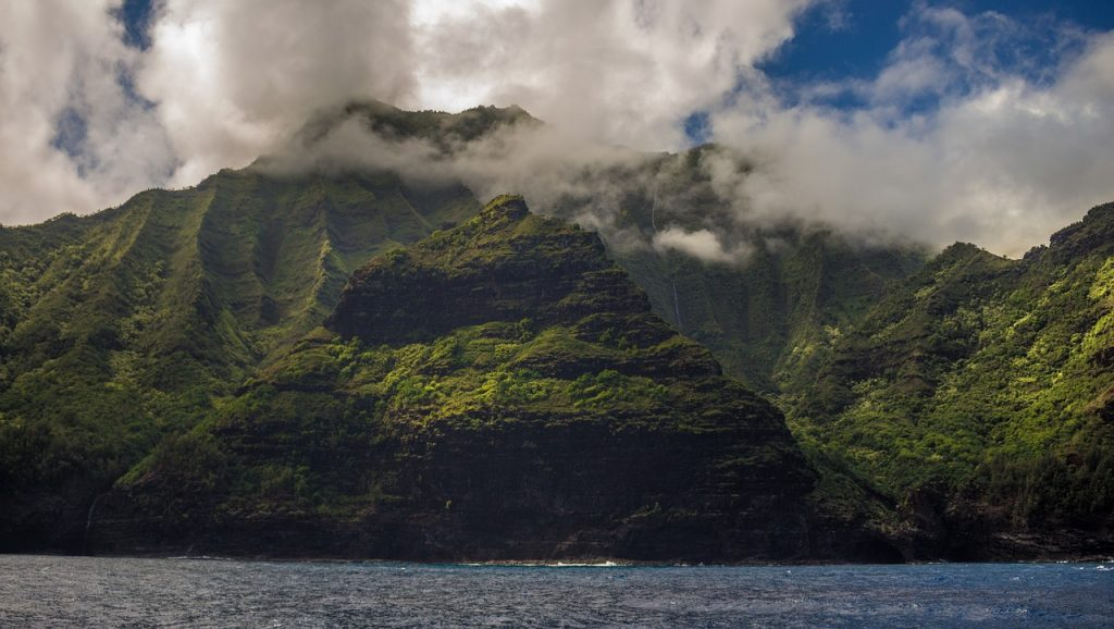 4 Sites You Didn't Know You Should See On Your Next Hawaiian Vacation